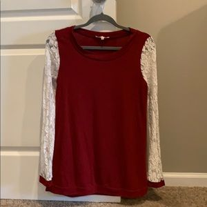Small lace sleeve top